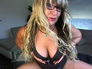 Cher - sexcam milf